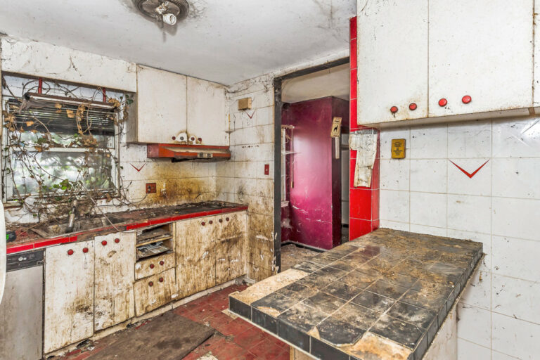 NYC house with 'terrible' listing photos sells for $720,000