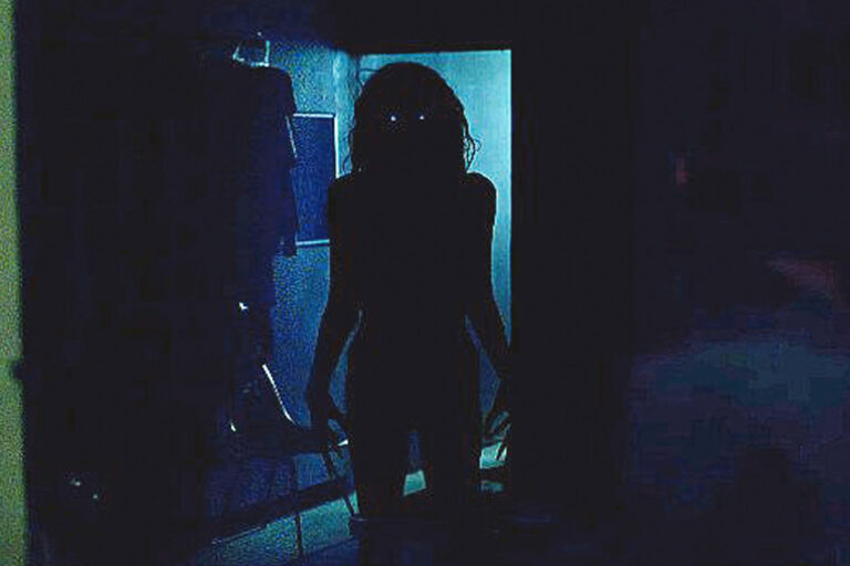 Lights Out Tests One of Horror's Golden Rules