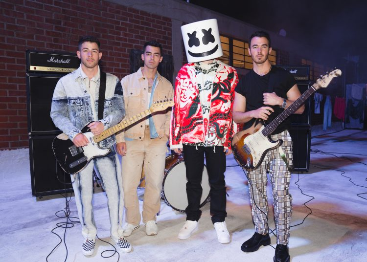 """Surprise!! Marshmello and Jonas Brothers Amazed Their Fans With Their Latest Music Album – """"Leave Before You Love Me"""""""